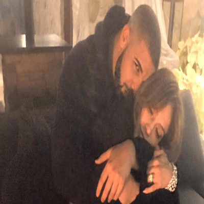 "Jennifer Lopez Calls Drake A ""Booty Call"" During Her Performance!"